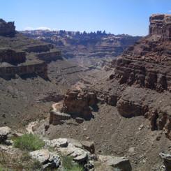 trail down Lower Red Lake Canyon